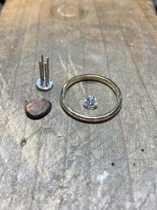 アンティーク調ダイヤリングの製造途中