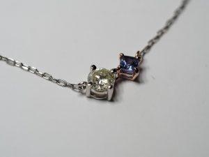 タンザナイトとダイヤモンドのペンダントネックレス