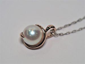 アコヤ真珠のペンダントネックレス